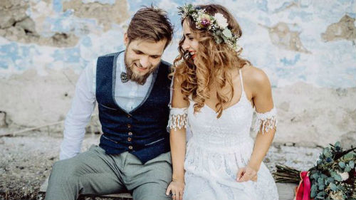 Открыв современный сонник, есть возможность узнать, что свадьба может присниться, когда вы ищете выход из сложной ситуации.