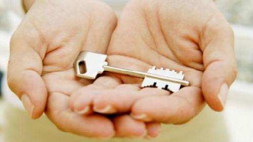 к чему снится продавать свой дом
