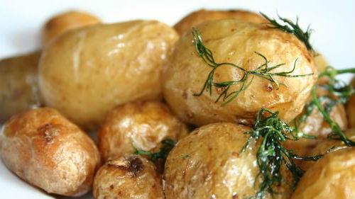 видеть печеный картофель